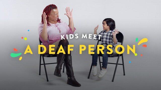 Niñ@s entrevistan a una persona sorda
